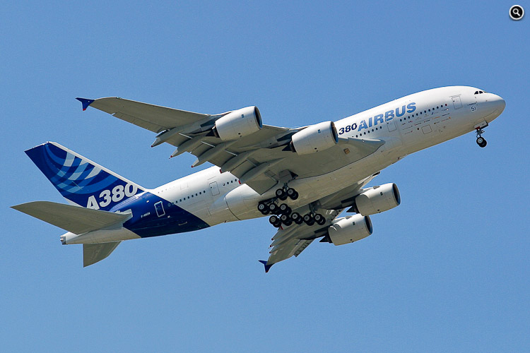 Airbus Industrie A380-841 (c/n=001, F-WWOW), 46th International Paris Air Show, 2005